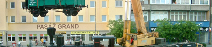 Přerov ČD (Czech Railways) - positioning the train in front of the railway station building (2006)